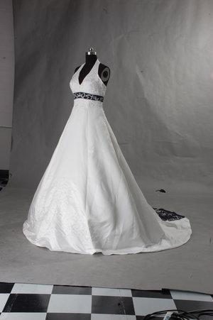 Brudklänning med färgdetaljer HS2013